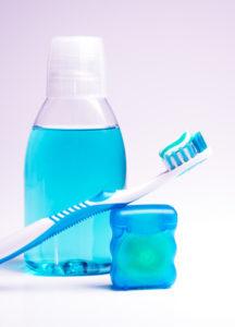Как выбрать зубную щетку, ополаскиватель для рта, зубную нить